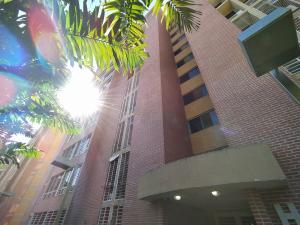 Apartamento En Ventaen Caracas, El Encantado, Venezuela, VE RAH: 21-2175