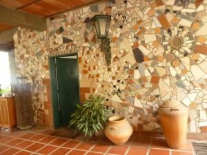 Casa En Ventaen Paracotos, Parques Del Sur, Venezuela, VE RAH: 21-2183