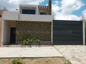 Terreno En Ventaen Municipio Naguanagua, Ciudad Jardin Manongo, Venezuela, VE RAH: 21-2212