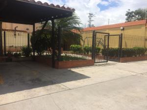Casa En Ventaen Municipio Naguanagua, Tazajal, Venezuela, VE RAH: 21-2197