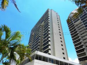 Apartamento En Ventaen Catia La Mar, Playa Grande, Venezuela, VE RAH: 21-2575