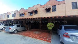 Townhouse En Ventaen Municipio Naguanagua, Barbula, Venezuela, VE RAH: 21-2217