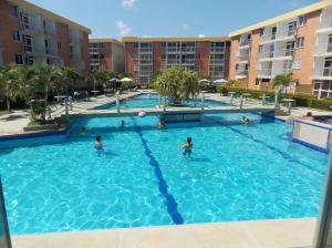 Apartamento En Ventaen Higuerote, La Costanera, Venezuela, VE RAH: 21-2231