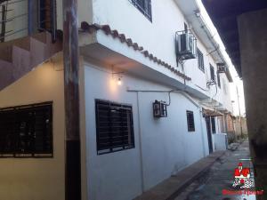Casa En Ventaen Cagua, Prados De La Encrucijada, Venezuela, VE RAH: 21-2236