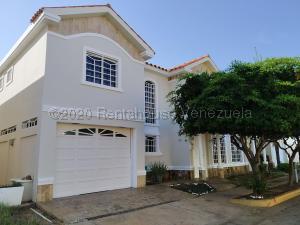 Townhouse En Ventaen Maracaibo, Lago Mar Beach, Venezuela, VE RAH: 21-2457