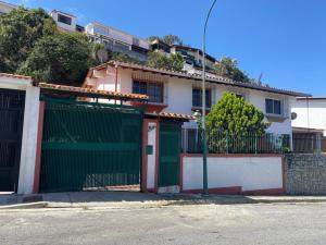 Casa En Ventaen Caracas, Alto Prado, Venezuela, VE RAH: 21-9723