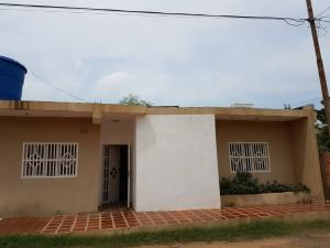 Casa En Ventaen Maracaibo, Avenida Milagro Norte, Venezuela, VE RAH: 21-2281