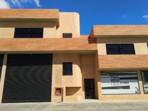 Galpon - Deposito En Ventaen Municipio San Diego, Parque Industrial Castillito, Venezuela, VE RAH: 21-2328