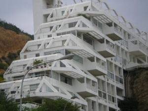 Apartamento En Ventaen Lecheria, Cerro El Morro, Venezuela, VE RAH: 21-2395