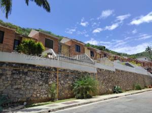 Townhouse En Ventaen Valencia, Lomas Del Este, Venezuela, VE RAH: 21-2401