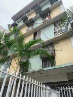 Apartamento En Ventaen Caracas, San Bernardino, Venezuela, VE RAH: 21-13429