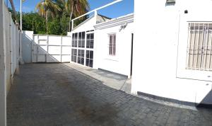 Casa En Ventaen Coro, Intercomunal Coro La Vela, Venezuela, VE RAH: 21-2534