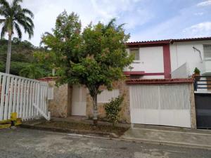 Casa En Ventaen Valencia, Trigal Norte, Venezuela, VE RAH: 21-2541