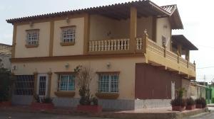 Casa En Ventaen Coro, La Velita, Venezuela, VE RAH: 21-2550