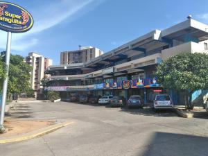 Local Comercial En Alquileren Maracaibo, La Paragua, Venezuela, VE RAH: 21-2585