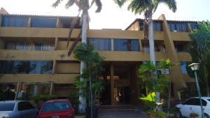 Apartamento En Ventaen Lecheria, Complejo Turistico El Morro, Venezuela, VE RAH: 21-2589