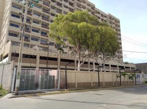 Apartamento En Ventaen Maracaibo, Avenida El Milagro, Venezuela, VE RAH: 21-2604
