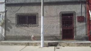 Casa En Ventaen Margarita, Porlamar, Venezuela, VE RAH: 21-2621