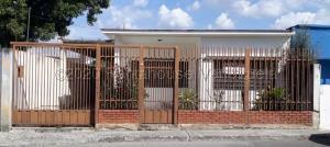 Casa En Ventaen Barquisimeto, Parroquia Juan De Villegas, Venezuela, VE RAH: 21-2629