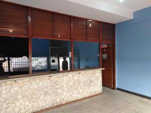 Local Comercial En Ventaen Maracaibo, Maranorte, Venezuela, VE RAH: 21-2665