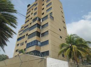 Apartamento En Ventaen La Guaira, Caraballeda, Venezuela, VE RAH: 21-2672