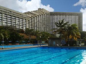 Apartamento En Ventaen Parroquia Caraballeda, Los Corales, Venezuela, VE RAH: 21-2677