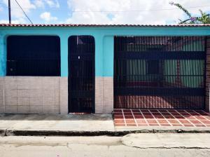 Casa En Ventaen Valencia, Flor Amarillo, Venezuela, VE RAH: 21-2685