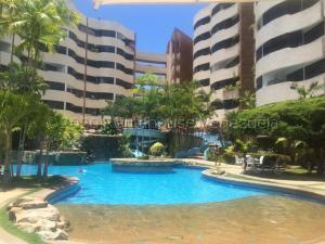 Apartamento En Ventaen Higuerote, Puerto Encantado, Venezuela, VE RAH: 21-2702