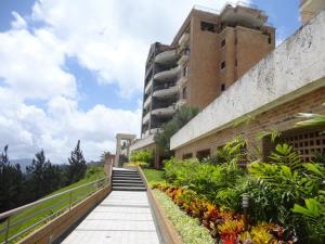 Apartamento En Ventaen Caracas, Los Naranjos Del Cafetal, Venezuela, VE RAH: 21-2726