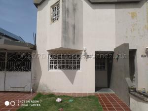 Townhouse En Ventaen Ciudad Ojeda, Tamare, Venezuela, VE RAH: 21-2737