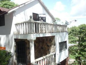 Casa En Ventaen Los Teques, Municipio Guaicaipuro, Venezuela, VE RAH: 21-2735