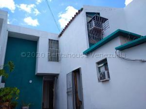 Casa En Ventaen Municipio San Diego, La Esmeralda, Venezuela, VE RAH: 21-2751