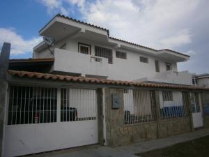 Apartamento En Ventaen Valencia, Trigal Norte, Venezuela, VE RAH: 21-2770