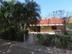 Casa En Ventaen Higuerote, Palm Beach, Venezuela, VE RAH: 21-2777