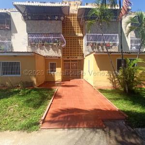 Apartamento En Ventaen Municipio San Diego, Morro Ii, Venezuela, VE RAH: 21-2788
