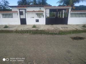 Casa En Ventaen Higuerote, Higuerote, Venezuela, VE RAH: 21-2833