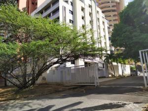 Apartamento En Ventaen Valencia, La Trigaleña, Venezuela, VE RAH: 21-2901