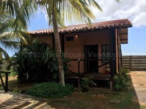 Casa En Ventaen Margarita, Avenida Juan Bautista Arismendi, Venezuela, VE RAH: 21-2936