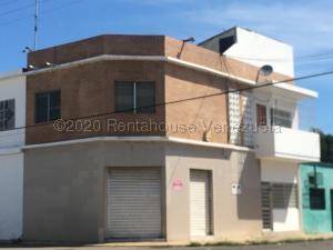 Edificio En Ventaen Punto Fijo, Punto Fijo, Venezuela, VE RAH: 21-2961