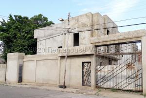 Casa En Ventaen Coro, Centro, Venezuela, VE RAH: 21-2984