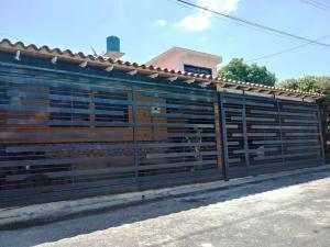Casa En Ventaen Cabudare, Santa Cecilia, Venezuela, VE RAH: 21-2991