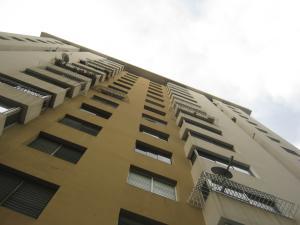 Apartamento En Ventaen Valencia, Valles De Camoruco, Venezuela, VE RAH: 21-3027