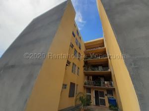 Apartamento En Ventaen Cabudare, La Mora, Venezuela, VE RAH: 21-3053