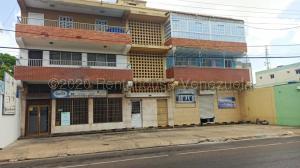 Local Comercial En Ventaen Punto Fijo, Centro, Venezuela, VE RAH: 21-3076