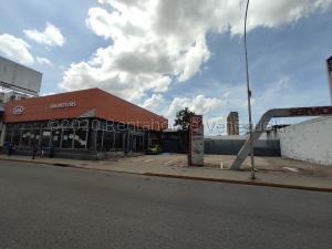 Local Comercial En Ventaen Maracay, Avenida Bolivar, Venezuela, VE RAH: 21-3079