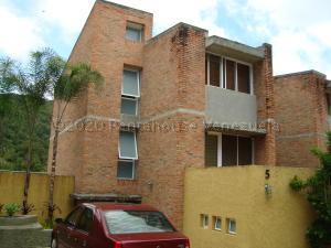Townhouse En Alquileren Caracas, Los Guayabitos, Venezuela, VE RAH: 21-3382
