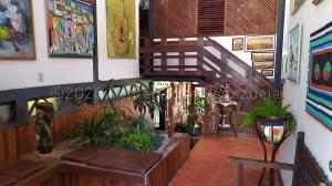 Casa En Ventaen Caracas, Prados Del Este, Venezuela, VE RAH: 21-3141