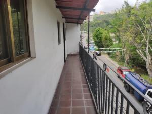 Apartamento En Ventaen Los Teques, Los Teques, Venezuela, VE RAH: 21-3133