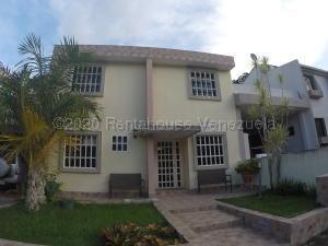 Casa En Ventaen Valencia, Parque Mirador, Venezuela, VE RAH: 21-3232