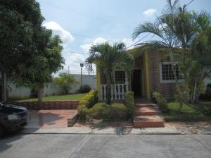 Casa En Ventaen Cabudare, Prados Del Golf, Venezuela, VE RAH: 21-3215